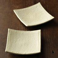 w1038生成り粗目角豆皿