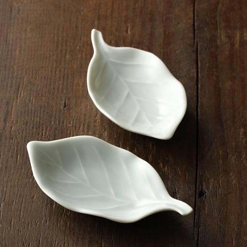w1081青磁葉形豆皿