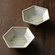 w1093九谷六角豆皿