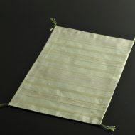 b1112-40-1 39.0×27.0薄緑光沢房付きランチョン