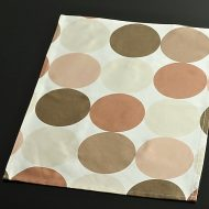 b5115-25-1 45.5×33.0茶濃淡大水玉柄ランチョン