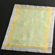 b5133-50-1 54.0×36.5ジャガード織り薄緑からし色枠ランチョン