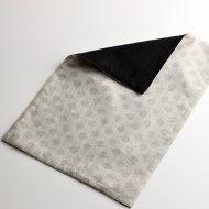 b5208-55-1 44.7×30.2リバーシブルグレー/黒丸織柄ランチョン