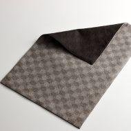 b5209-55-1 44.7×30.2チャコールグレー/黒丸織柄リバーシブルランチョン