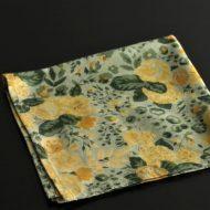 b7147-25-1 40.5x40.5草色に黄花柄ナフキン
