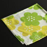 b7173-20-1 50.5x50.5白地に黄緑黄花ナフキン