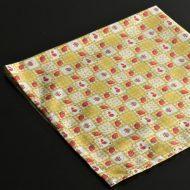 b7203-15-1 54.0x55.0黄色市松苺模様ナフキン