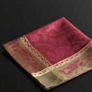 b7229-40-1 49.5x49.5縁ベージュ中赤花柄ナフキン