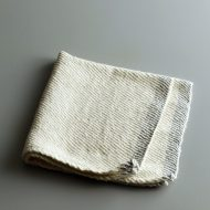 b7239-15-1 45.0x43.0コットンふち青刺繍ナフキン
