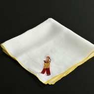 b9002-15-1 45.5×45.5白刺繍からこ縁黄ハンカチ