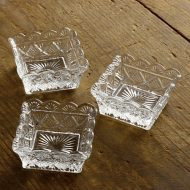 g4192-20-3 6.7x6.7x3.2レース柄ガラス角鉢小