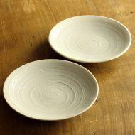 w1588-25-2*φ13.0粉引きうずまき刷毛目小皿