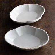 w1598-90-2*15.0x12.0x2.9白花形型押し皿(境知子)
