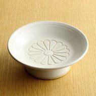 w1681-100-1*φ13.5x4.7白高台菊紋皿