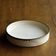 w1683-75-1*φ12.5x2.5粉引き縁高皿  はしもと さちえ