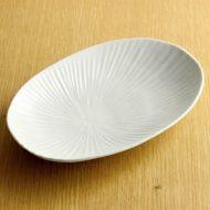 w1686-45-1*19.0x12.8x2.7白磁しのぎ楕円皿