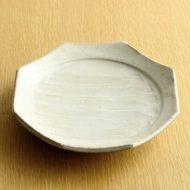 w2094-351*φ17.3白釉中しのぎ八角皿