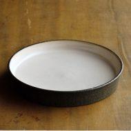 w2296-601*φ15.5x2.5縁高外黒中白皿 はしもと さちえ