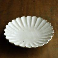 w2621-1501 φ22.3x4.0粉引き菊形皿