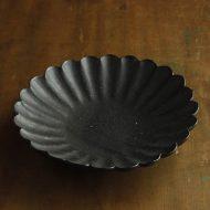 w2622-1501 φ22.5x4.7黒つやなし菊形皿