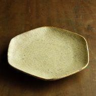 w2641-1201 φ23.5黄粉引き貫入六角皿(工藤和彦)