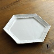 w2685-1301 φ21.5x2.2白釉六角皿河上奈未