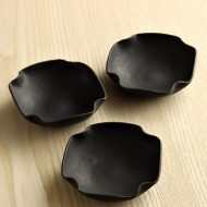 w3016-90-3 約9.0x9.0x2.6黒隅折れ豆鉢 (大村 剛)