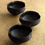 w3093 黒三つまみ豆鉢(黒木 奏等)