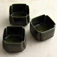 w3099 織部角つまみ豆鉢(黒木 奏等)