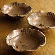 w3542-90-3 φ14.5x4.3茶花形手描き花浅鉢