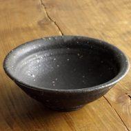 w3712-60-1 φ14.0x4.9黒厚じゃり小鉢(角掛 政志)