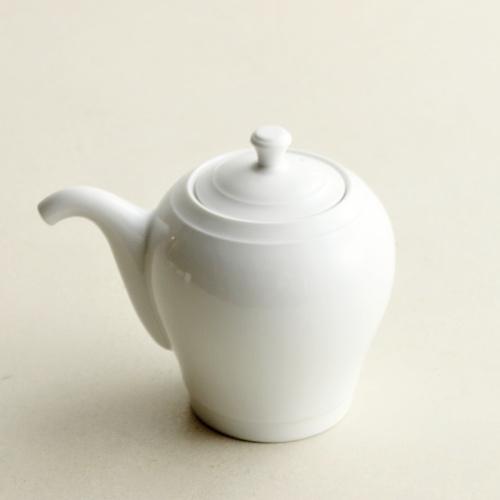w5004-60-1 9.5x6.5x7.8白磁醤油さし(白岳窯)