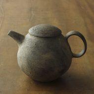 w6165-450-1 13.5x10.3x9.2艶なし濃茶刷毛目急須 (西川 聡)