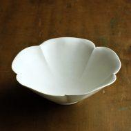 w7041-100-1 φ18.0x6.3粉引きマット花型皿
