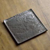 w8633-75-1 14.0x14.0さび石目銀採角皿(山本哲也)