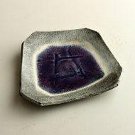 w8700y-30-1 17.7x16.0紫変形ビードロ皿