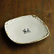 w8721-90-1 18.8x18.8クリーム縁花柄角皿