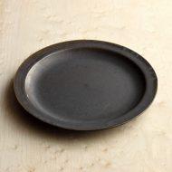 y1195-90-1 φ18.2濃茶薄リム皿(福岡彩子)